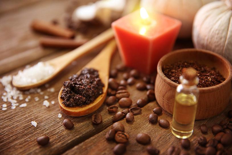 Peeling z kawy doskonale oczyści skórę i pomoże zachować młodość /123RF/PICSEL