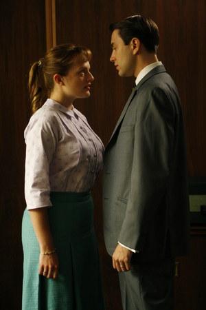 Peggy (Elisabeth Moss) i Pete Campbell (Vincent Kartheiser) /fot  /Sundance Channel.