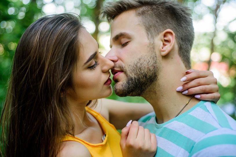 Pełne usta przez wiele osób są uznawane za atrakcyjne /123RF/PICSEL