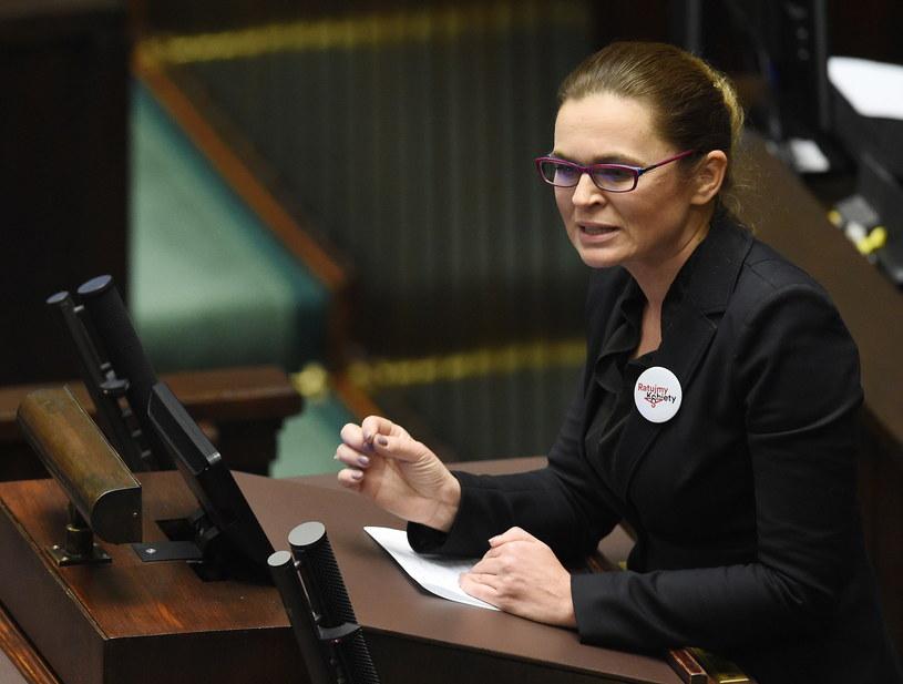 """Pełnomocniczka komitetu """"Ratujmy Kobiety 2017"""" Barbara Nowacka /PAP"""