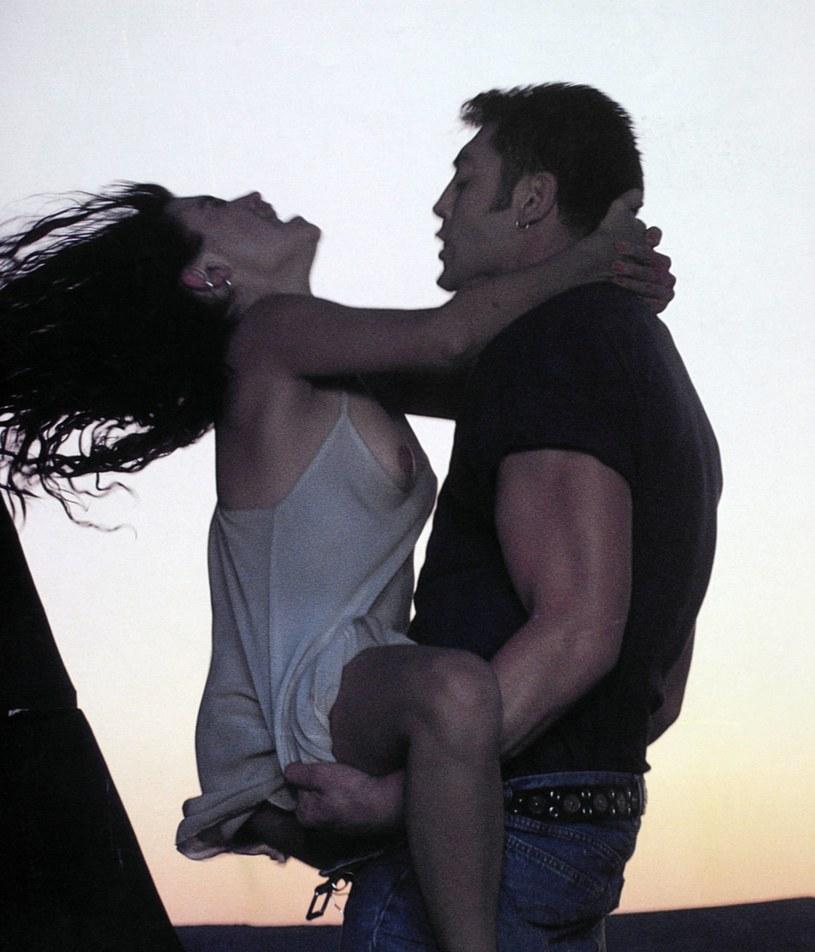 """Penelope Cruz i Javier Bardem w filmie """"Szynka, szynka"""" /LOLAFILMS /East News"""