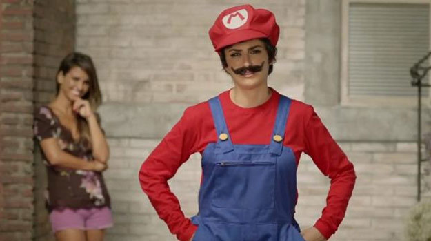Penelope Cruz w kostiumie Super Mario /Internet