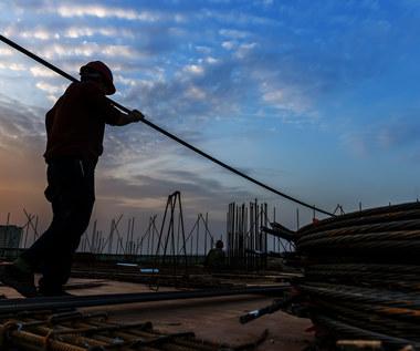 Pensje budowlańców w Polsce i za granicą - czy nadal opłaca się wyjechać?