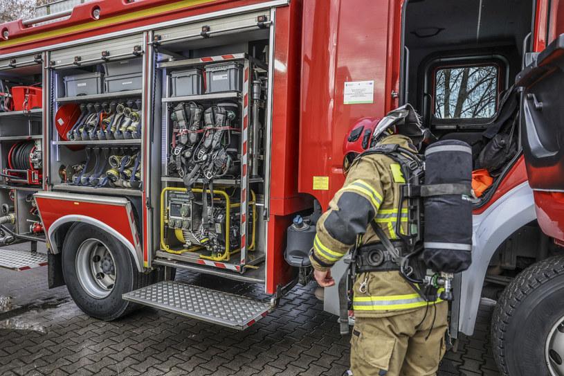Pensjonariusze i pracownicy DPS w Dzięciołówce zostali ewakuowani /Fot. Piotr Jedzura /Reporter