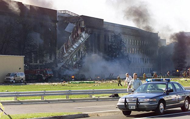 Pentagonu kilka chwil po uderzeniu samolotu /AFP