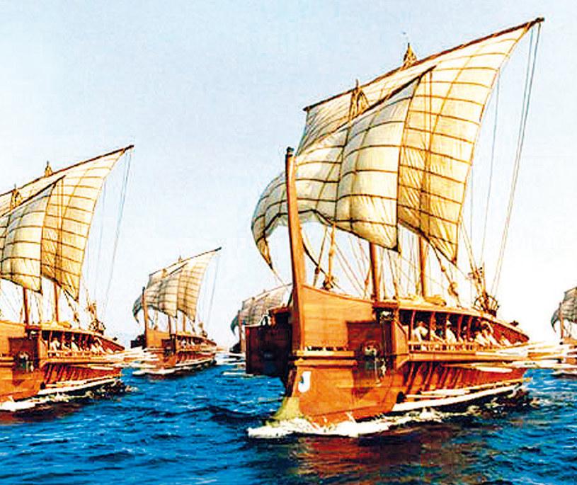 Pentekontera potrafiła przebić rufę statku przeciwnika, lecz  jej wadą były wysokie koszty produkcji /21 wiek