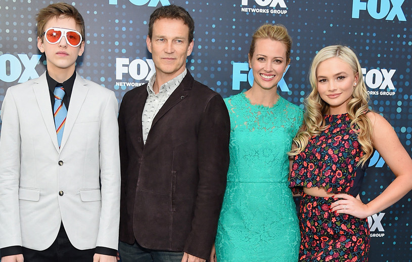 Percy Hynes White, Stephen Moyer, Amy Acker oraz Natalie Alyn Lind /Michael Loccisano /Getty Images