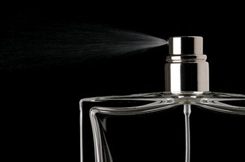 perfumy po terminie /© Photogenica