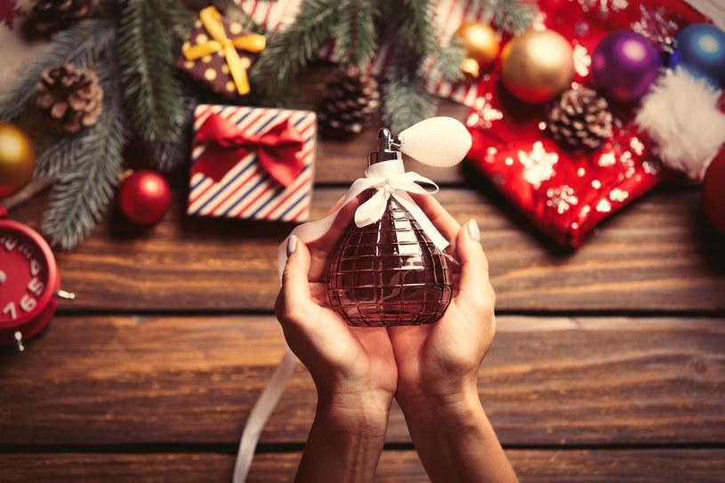 Perfumy pod choinkę /shutterstock /Shutterstock
