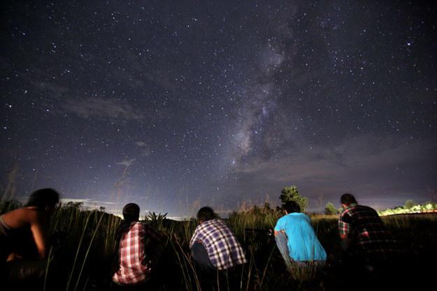 Perseidy można zaobserwować gołym okiem fot. Ye Aung Thu /AFP