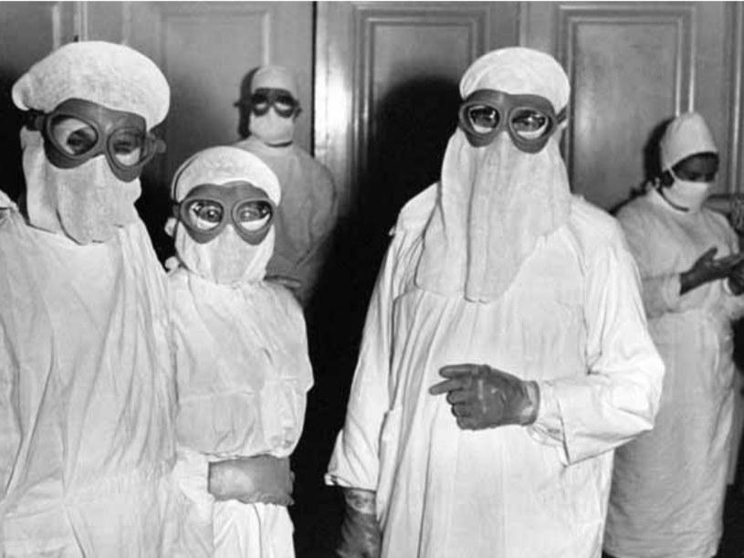 Personel medyczyny w czasie wrocławskiej epidemii /Wikimedia Commons /domena publiczna