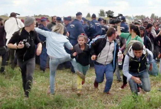 """Petra Laszlo """"w akcji"""": """"To za sprawą Facebooka ludzie obrócili się przeciwko mnie"""" /AFP"""