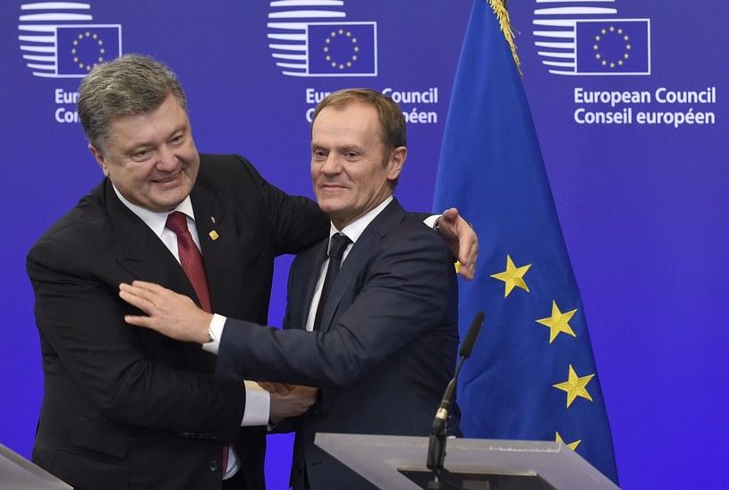 Petro Poroszenko i Donald Tusk w Brukseli 12 lutego /AFP