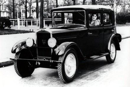 Peugeot 201 / Kliknij /