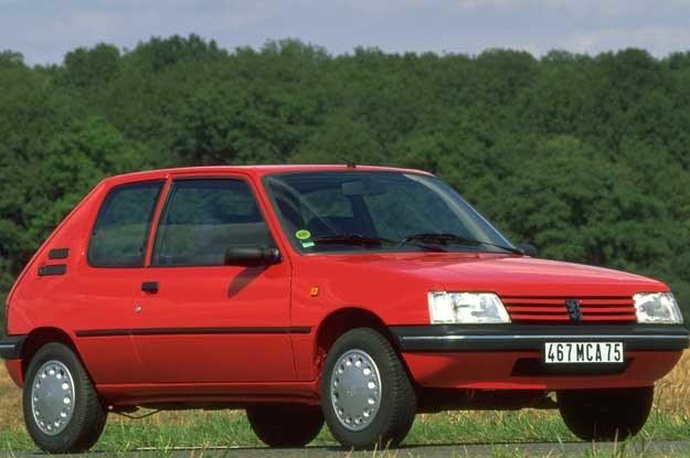 Peugeot 205 /