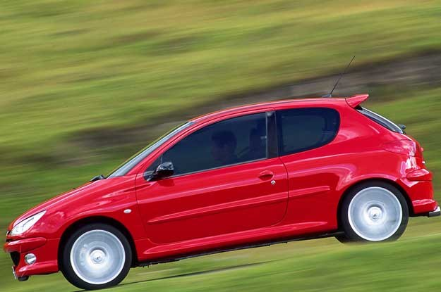 Peugeot 206 /
