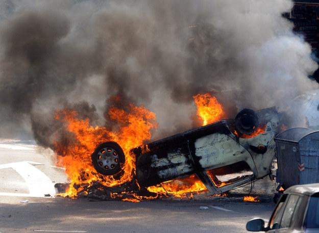 Peugeot 307 zyskał złą sławę m.in. z powodu wadliwej partii samochodów podatnych na pożary spowodowane zwarciami instalacji elektrycznej przy pompie ABS-u. Usterkę naprawiano bezpłatnie, można sprawdzić czy dane auto było objęte akcją serwisową podając VIN w ASO. /Shutterstock