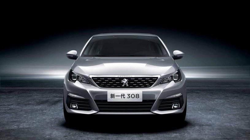 Peugeot 308 sedan /
