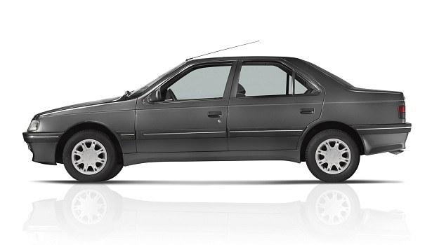 Peugeot 405 - na pozór samochód o raczej tradycyjnej sylwetce, mimo to mający doskonałe własności aerodynamiczne. /Peugeot