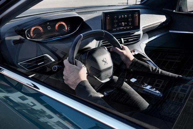Peugeot 5008 /