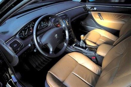 Peugeot 607 /