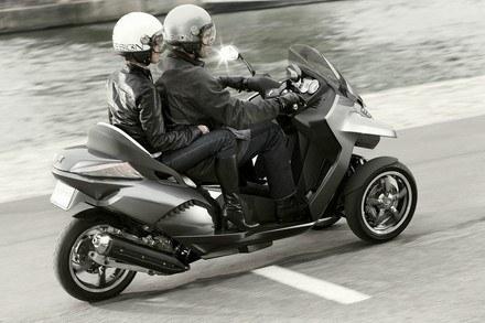 Peugeot hybrid3 evolution concept /