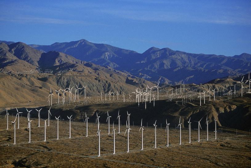 PGE chce zbudować trzy farmy wiatrowe /1996-98 AccuSoft Inc., All rights reserved /© Glowimages
