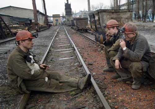 PGG będzie zwalniac górników (zdjęcie ilustracyjne) /AFP