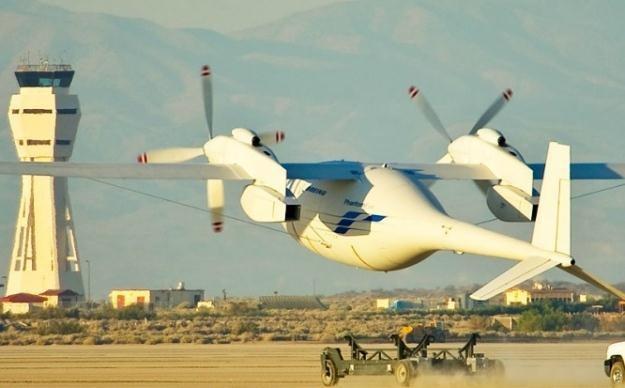 Phantom Eye podrywa się do pierwszego lotu.   Fot. Boeing /materiały prasowe