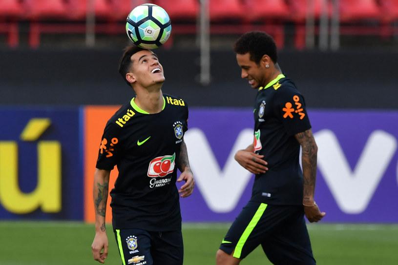 Philippe Coutinho (z lewej) zastąpi w Barcelonie Neymara (z prawej)? /NELSON ALMEIDA /AFP