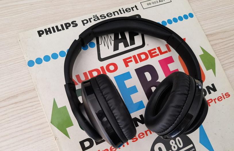 Philips TAH6206BK sprawdzą się również podczas słuchania muzyki /INTERIA.PL