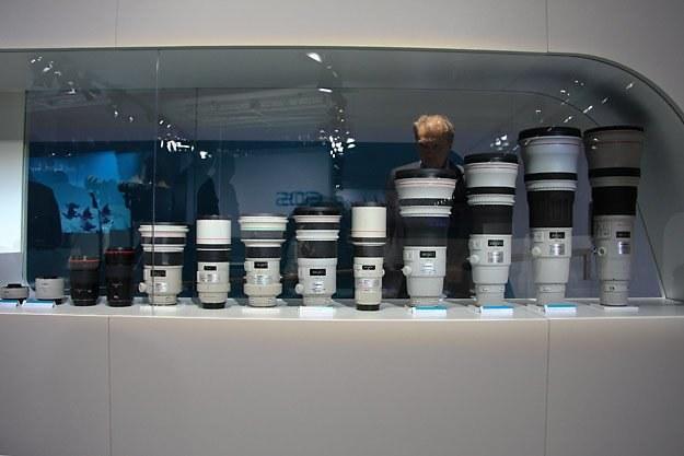 Photokina to największe w Europie targi sprzętu fotograficznego. Na zdjęciu: stoisko z optyką Canona /INTERIA.PL - Adam Nietresta