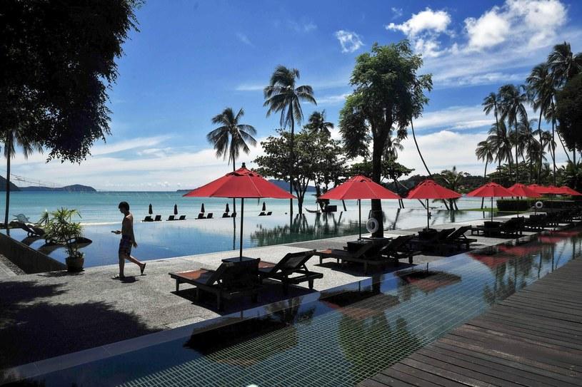 Phuket stosuje odmienną od reszty kraju strategię zwalczania epidemii Covid-19 /LILLIAN SUWANRUMPHA /AFP