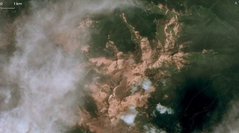 Piasek znad Sahary widziany z kosmosu nad Pirenejami /Twitter