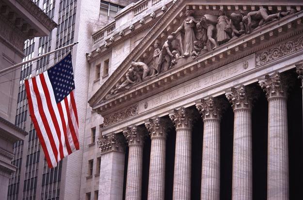 Piątkowa sesja na nowojorskich giełdach zakończyła się niewielkimi zmianami indeksów /© Bauer