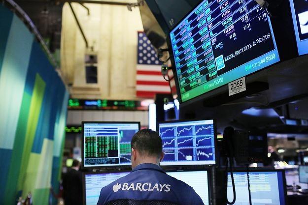 Piątkowa sesja na Wall Street przyniosła minimalne zmiany indeksów /AFP