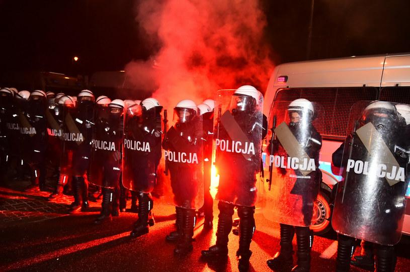 Piątkowe protesty przeciwko zaostrzeniu prawa aborcyjnego /Artur Zawadzki /Reporter