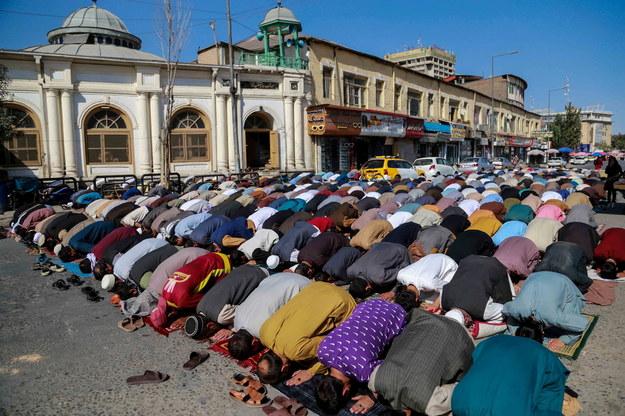 Piątkowy modły w meczecie w Kabulu na zdjęciu ilustracyjnym /STRINGER /PAP/EPA