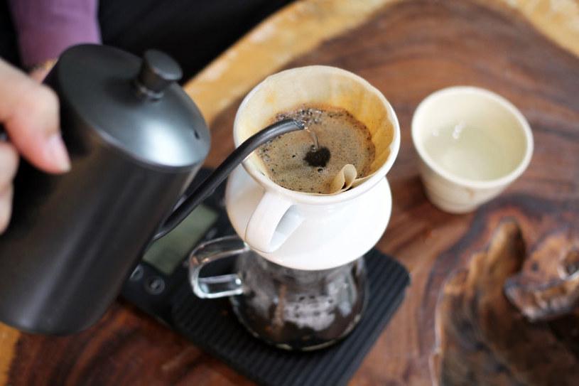 Picie kawy na czczo może zrujnować zołądek /123RF/PICSEL