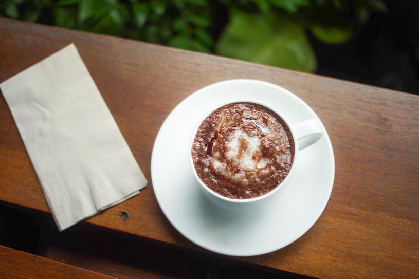 Picie umiarkowanych ilości kawy wiąże się z mniejszym ryzykiem rozwoju niewydolności serca /Picsel /123RF/PICSEL