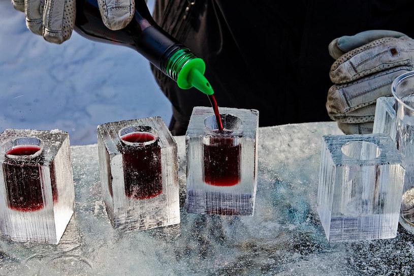 picie w zimie /© Photogenica