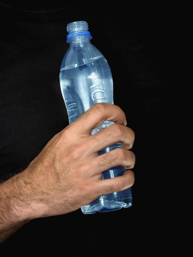 picie wody zdrowie /© Photogenica