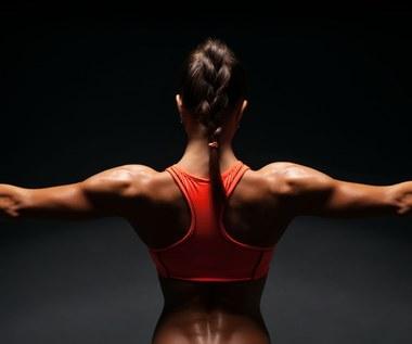 Pięć ćwiczeń na piękne ramiona