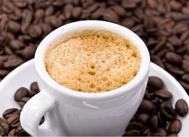 pięć filiżanek kawy dziennie może uchronić przed rakiem piersi? /© Panthermedia