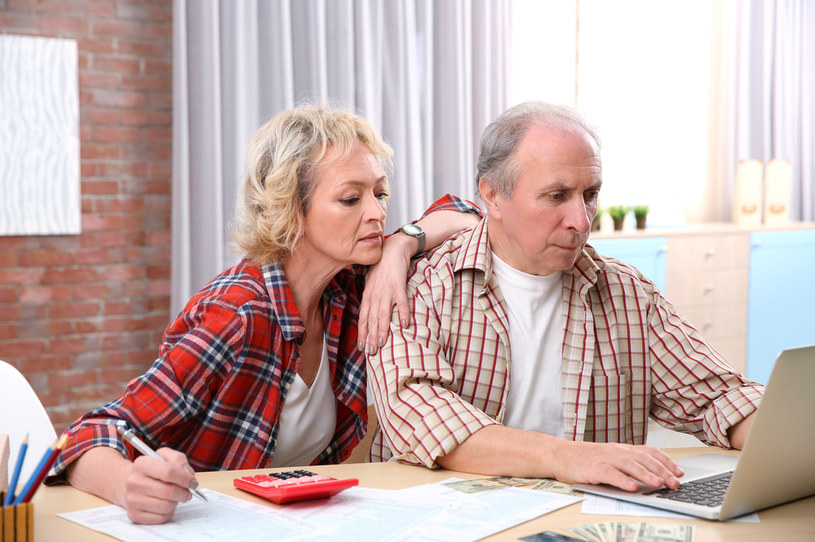 Pięć lat dodatkowej pracy podniesie emeryturę o 100 proc.? /©123RF/PICSEL