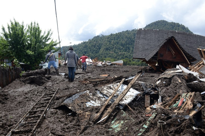 Pięć ofiar śmiertelnych osunięcia ziemi na południu Chile /CHRISTIAN BROWN /PAP/EPA