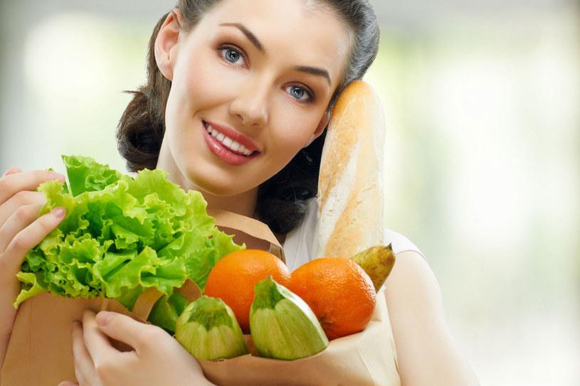 Pięć porcji warzyw lub owoców dziennie to droga do zdrowia i urody /123RF/PICSEL