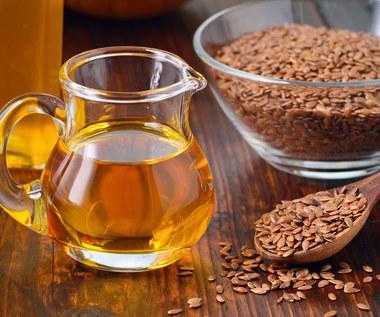 Pięć powodów, by zacząć pić olej lniany