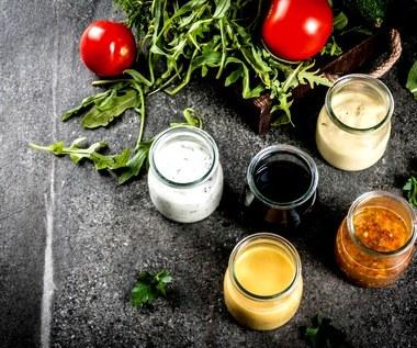 Pięć przepisów na sosy do potraw z grilla