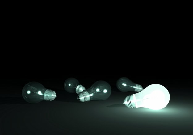 Pięciu z siedmiu sprzedawców energii elektrycznej złożyło wnioski w sprawie taryf na energię /© Panthermedia